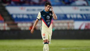 Santiago Cáseres durante un partido con América