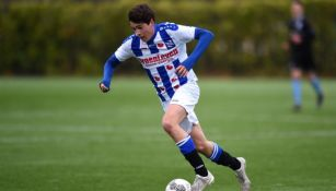 Teun Wilke durante un partido con Heerenveen
