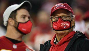 Chiefs: Un aficionado dio positivo a Covid-19 tras juego inaugural