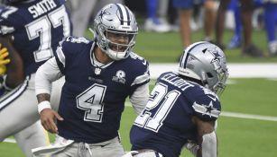 Dak Prescott y Ezekiel Elliott, en juego de los Cowboys