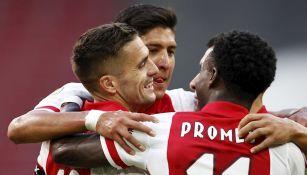 Ajax goleó 3-0 al Waalwijk en la Eredivisie