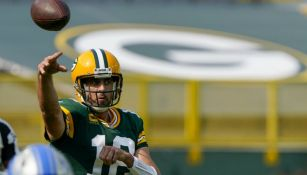 Aaron Rodgers en acción con Green Bay