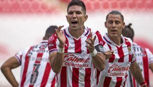 Jesús Molina consiguió el primero de Chivas