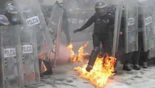 Policía es afectada durante marcha contra el aborto