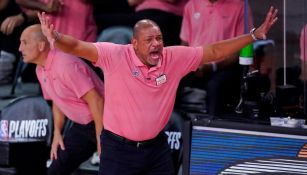 Doc Rivers durante un partido con los Clippers