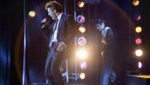 Boneta en la primera temporada de Luis Miguel: La Serie