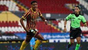 Omar Bravo: Exdelantero de Chivas, guía de promesa del futbol costarricense