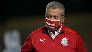 Vucetich dirigiendo un partido de la Liga MX