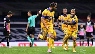 Gignac celebrando un gol con los Tigres