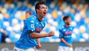 Hirving Lozano luego de marcar gol ante el Atalanta