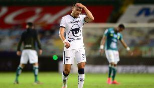 Nicolás Freire se lamenta en partido con Pumas