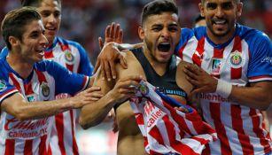 Alexis Vega, festeja gol ante Atlas