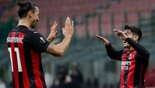 Zlatan y Brahim se felicitan tras un gol del Milan