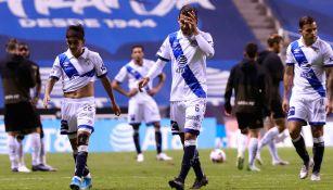 Jugadores de La Franja se lamentan en juego ante León