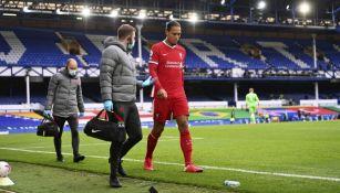 Virgil Van Dijk en lamento con Liverpool