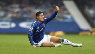 James Rodríguez en acción con Everton
