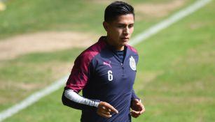 Villalpando en un entrenamiento con Chivas