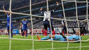 Funes Mori marca el gol del triunfo ante La Máquina