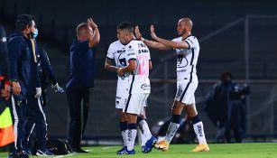 Andrés Lillini festeja el gol del empate vs Chivas