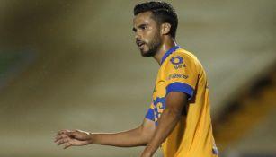 Diego Reyes se lamenta en un juego
