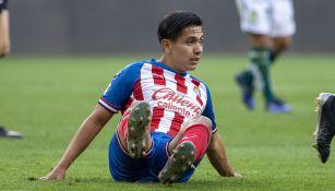 Dieter Villalpando en partido con Chivas