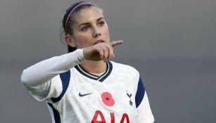 Alex Morgan en aprtido con Tottenham