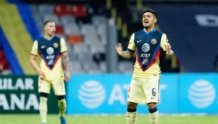 Sergio Díaz durante un partido con América