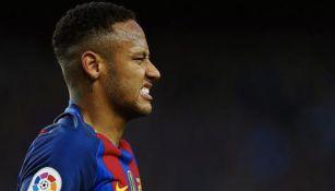 Neymar se lamenta en juego del Barcelona