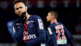 Neymar en partido con el PSG