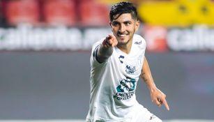 Guzmán celebra un gol con Pachuca