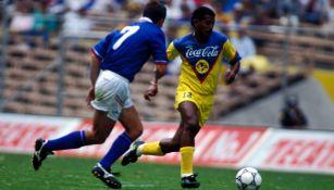 Negro Santos, tras su ingreso al Salón de la Fama: 'No he visto otro jugador como yo en México'