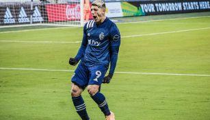 Alan Pulido en partido de la MLS
