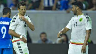 Carlos Vela y Javier Hernández con Selección Mexicana