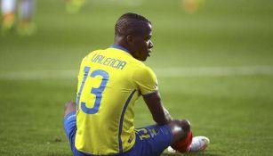 Enner Valencia durante un partido con Ecuador