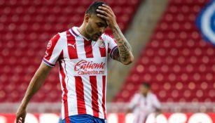 Chivas: Foto presentada sobre barrida de Rivero a Vega no corresponde al momento de la lesión