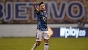 James Rodríguez jugando con Colombia