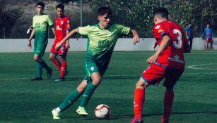 Iñaki Rosas trata de dejar a su rival en el camino