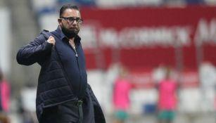 Antonio Mohamed en partido ante Puebla