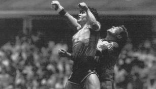 Shilton y Maradona en Mundial del 86