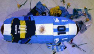 Maradona: Hombre que se tomó foto con cuerpo del Diego se entregó