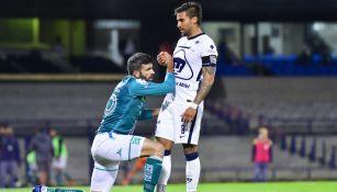 Andrés Iniestra en acción ante León