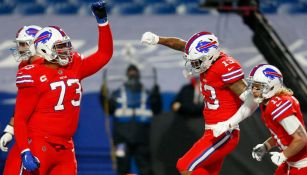 Jugadores de los Bills celebran un touchdown