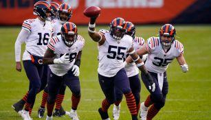 Jugadores de los Bears festejan ante Texans