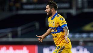 Gignac festeja su gol contra el LAFC