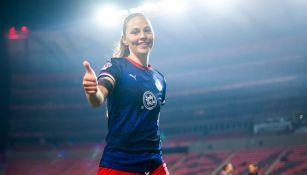 Janelly Farías durante un partido con Chivas Femenil