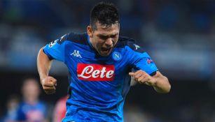 Chucky Lozano celebrando un gol con Napoli