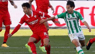 Diego Lainez durante el duelo ante el Sevilla