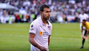 Junior Sornoza durante un partido con Liga de Quito