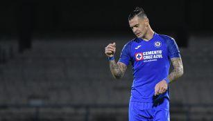Milton Caraglio en partido con Cruz Azul