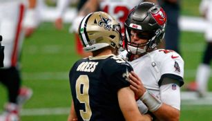 Brees y Brady platican tras un juego entre Saints y Buccaneers